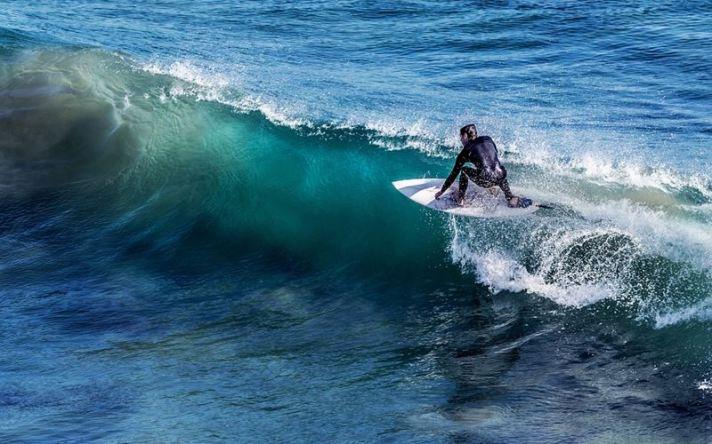 Surfing 2-Pixabay